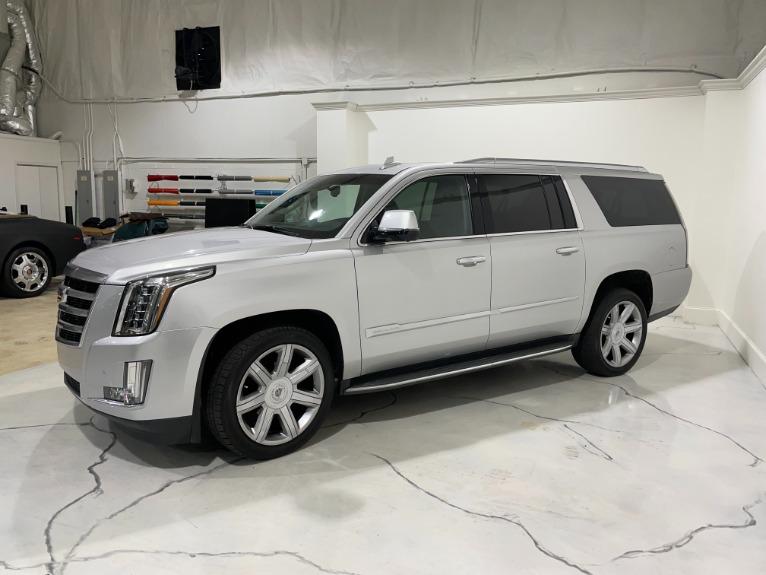 Used-2018-Cadillac-Escalade-PREMIUM-ESV