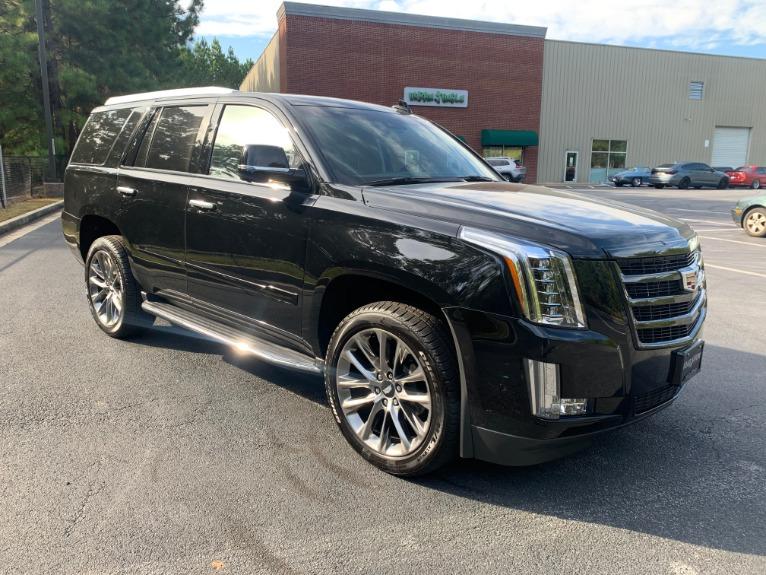 Used-2019-Cadillac-Escalade-PREMIUM