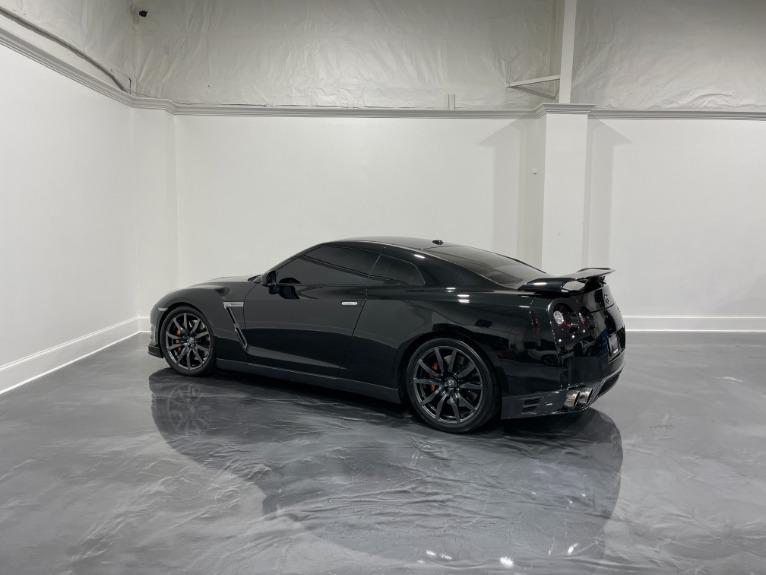 Used-2018-Nissan-GT-R-Premium