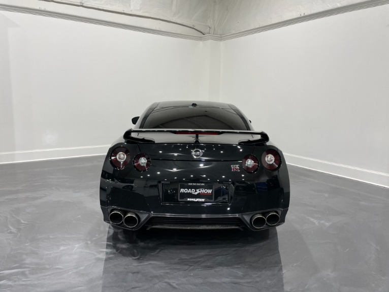 Used-2018-Nissan-GT-R-RS-Premium