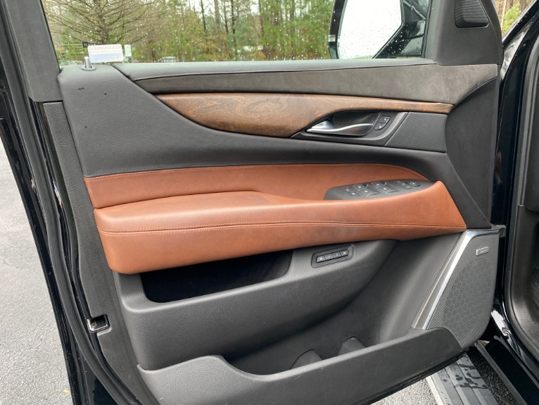 Used-2016-Cadillac-Escalade-Premium