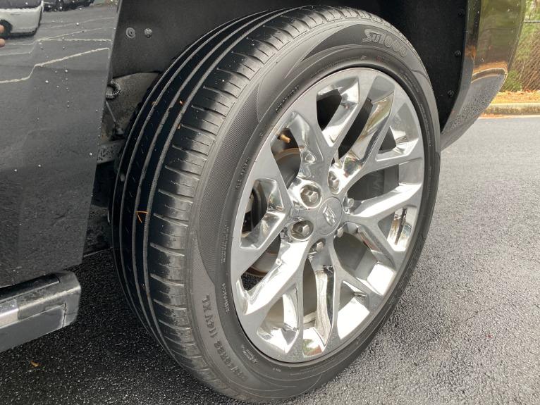 Used-2017-Cadillac-Escalade-PREMIUM