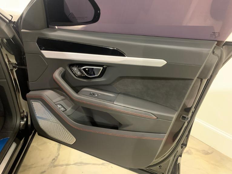 New-2020-Lamborghini-Urus-RS